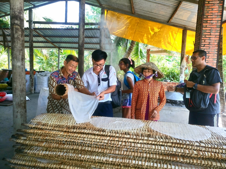 Khám phá Lò hủ tiếu truyền thống ở Cần Thơ - Du lịch làng nghề Cần Thơ