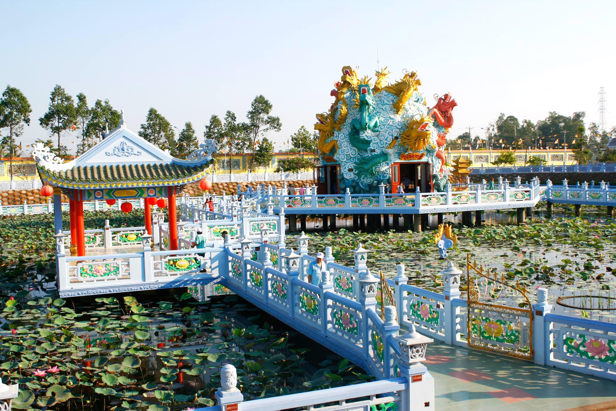 Chùa Huỳnh Đạo - Ngôi chùa tuyệt đẹp ở An Giang