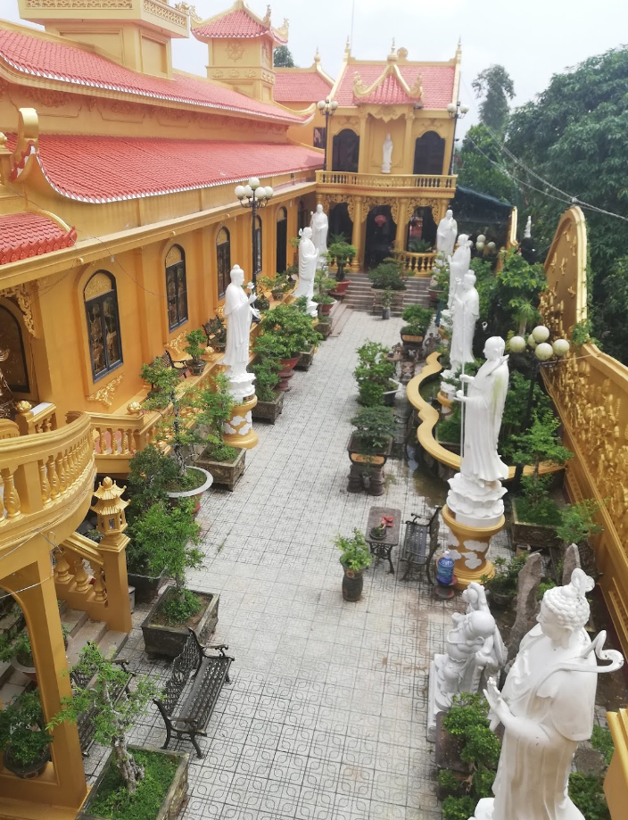 Một góc khuôn viên của chùa