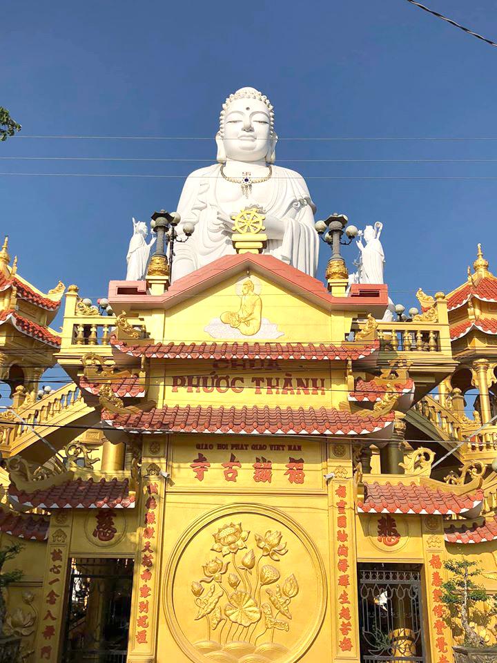 Người dân nơi đây còn gọi bằng tên gọi khác là chùa Chim