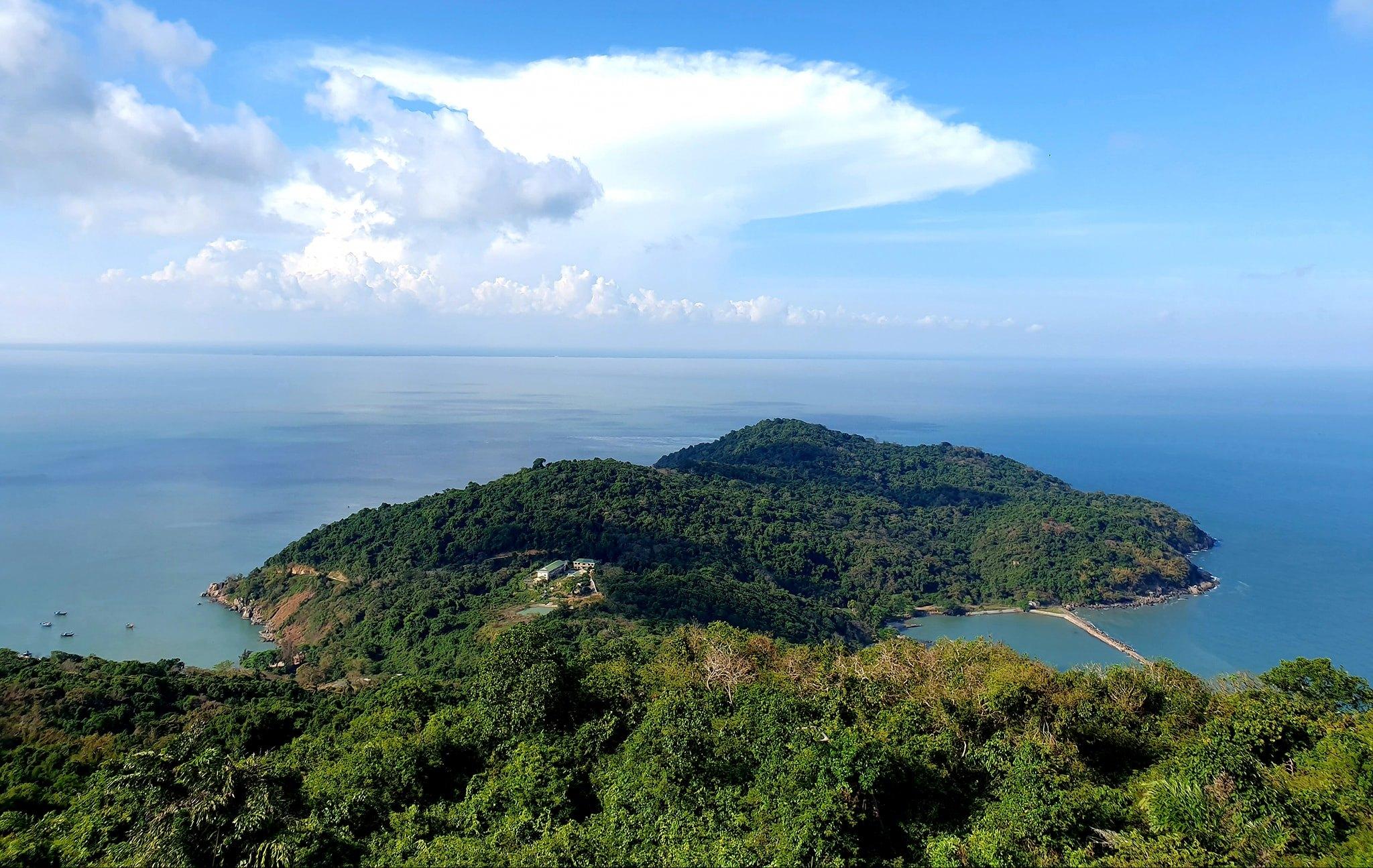 Khám phá vẻ đẹp hoang sơ của Đảo Hòn Khoai - Cà Mau